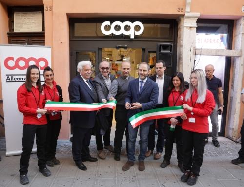 Ha inaugurato la Coop di Via Mazzini a Ferrara